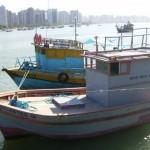 Ibama apreende mais dois barcos na área de conflito em Icapui/CE
