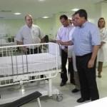 Prefeito de Osasco visita leitos pediátricos do Hospital Central de Osasco