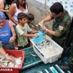 Polícia apreende 1,2 ton de sardinhas no Rio de Janeiro