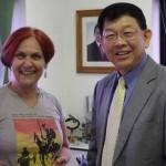 Educador de Cingapura visita e elogia escola municipal de Osasco