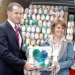 Secretaria do Esporte entrega 2 mil latas de leite em pó para o Provopar